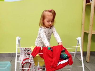 Motoryka mała: Wieszanie prania.
